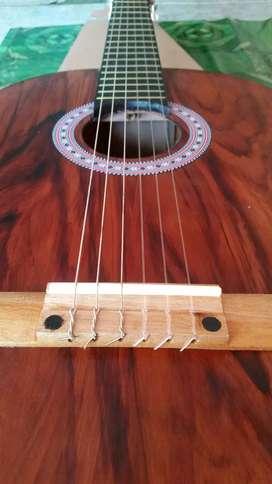Gitar akustik klasik yamaha