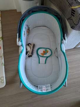 basinet, tempat tidur anak bayi, keranjang tidur,