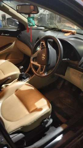 I want to sell a luxury verna car