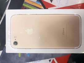Iphone 7 128gb with 1 month warranty