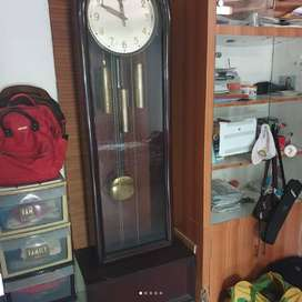 Vintage Grandfather Clock (jam berdiri) merk Urgos