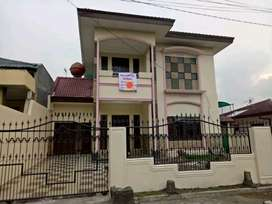Rumah besar Cantik dekat SM Raja dan Menteng Kota Medan