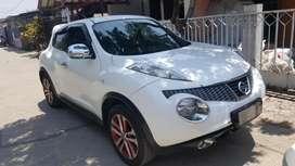 Nissan Juke RX AT putih istimewa (cash/kredit)