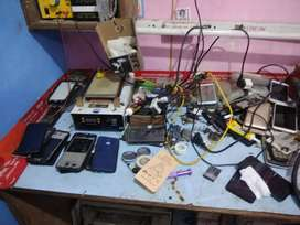 Urgent need of a man who knows mobile repairing..