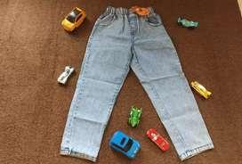 Ex kado.celana Levis anak kondisi baru