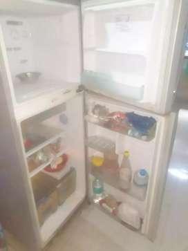 Samsung fridge good condition running
