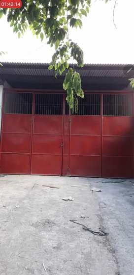 Disewakan Tempat usaha / Gudang sisa tanah luas Surabaya Barat Murah!