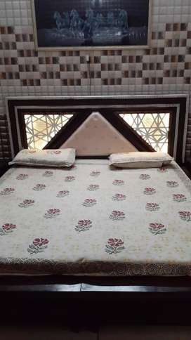 pg well furnished for boys and girls deluxe rooms with ac or non ac