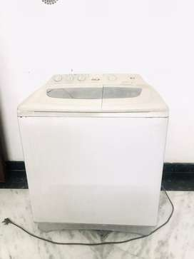 LG 7.O kg intellowash washing machine