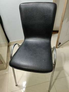 Chair Simple and Comfortable