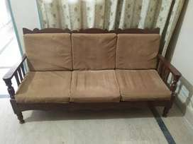 5 SEATER SOFA SET.