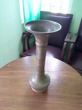 Vas Bunga Kuningan Antik Kuno