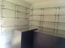 Showroom counter 4 with glass rank dummy