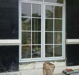 Kusen alumunium pintu kaca