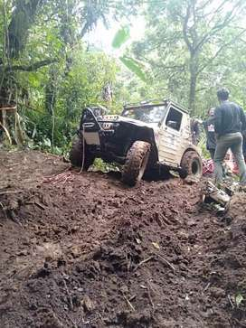 Suzuki LJ80 Full Offroad Modifikasi
