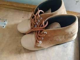 Women shoes size 38