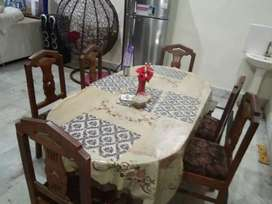 Dining table (6 seater) with chairs