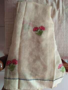 Simple thread work saree