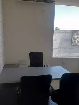 Selling office fully furnished (PLUG AND PLAY)