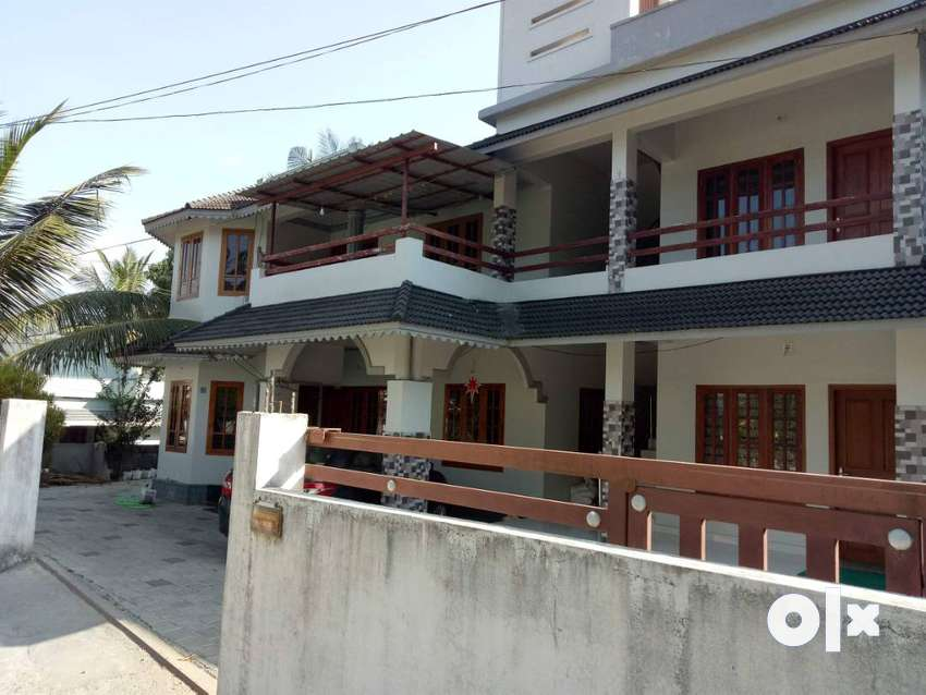 UP-stair for 9 K and Ground floor for 10 K rental in Kalpetta 0