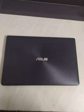 Asus laptop 4gb 500HDD