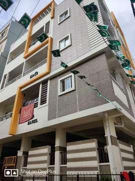 Flat for rent @ toli chowki behind azan school