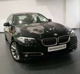 BMW 520i Luxury F10 2016 Black Sapphire On Cinnamon Black