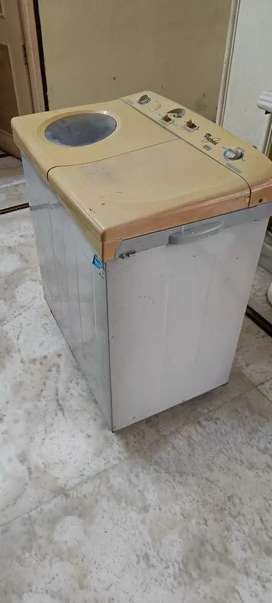 Whirlpool 7kg semi automatic washing machine
