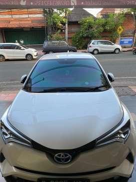 Toyota chr hybrid 1,8 2019 putih mulus