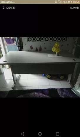 Meja counter kuat dan kokoh