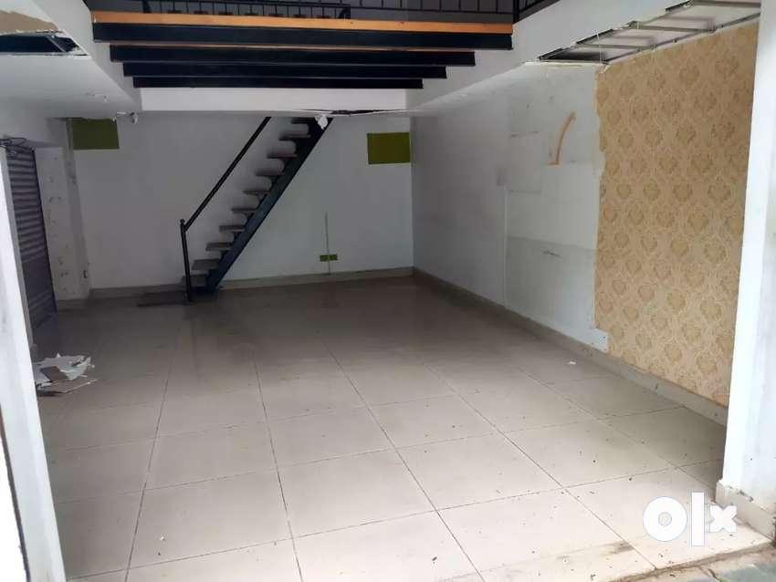 Shop on ground floor 0