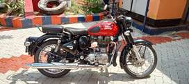 Royal Enfield classic 350 showroom condition for sale