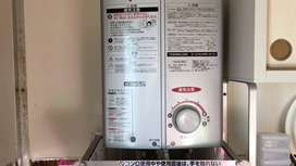 water geyser and rinnai heater japanes loot sale