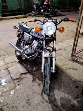 Nice condition rx 100. Orginal rc book paper not valid