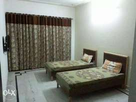 PG NOIDA SECTOR=58 & 59 monthly rent-4000rs. (Very low price)