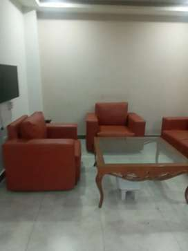 2bedroom attch washroom DD TV fully furnished apparment available