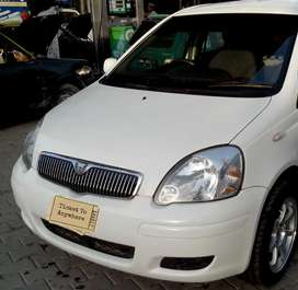 Well maintained beautiful vitz 2004