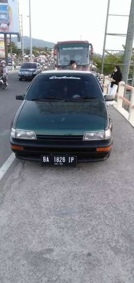 Mobil sedan Daihatsu Classy thn 1992