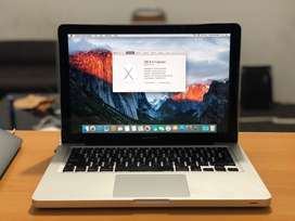 Macbook Pro 13inch - Core i5 Early 2011