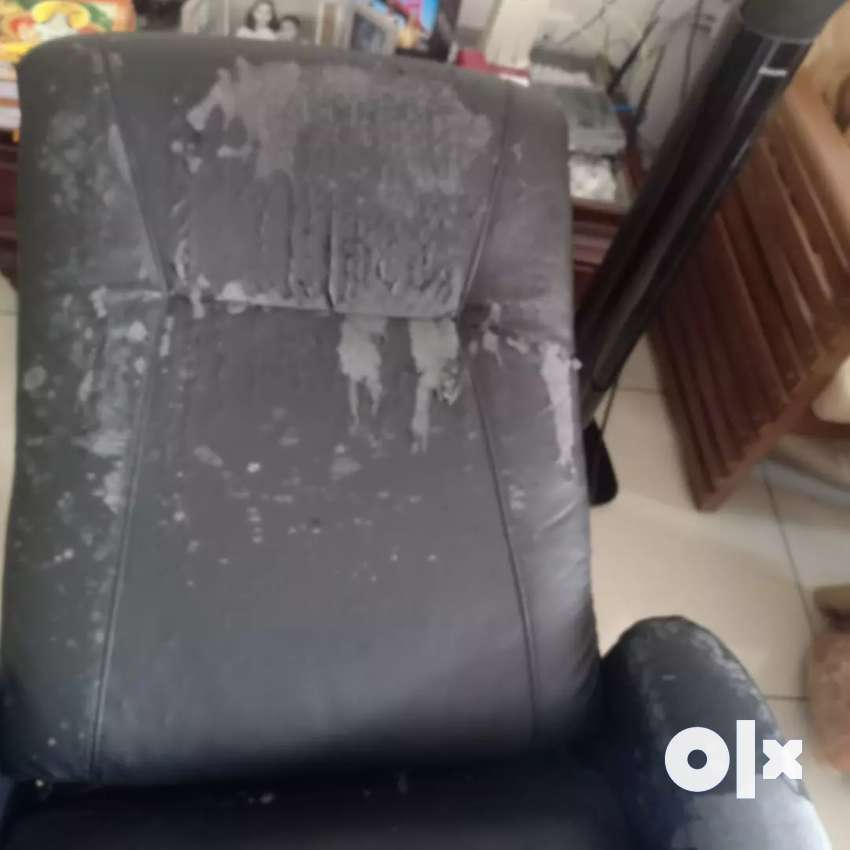 Upholstery worker required contact on 858900.7874 0