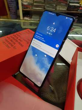 One plus7t 8gb 256gb 3 month used brand new condition