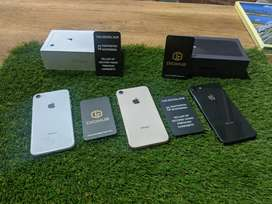 iPhone 8 64 gb with 3 month service warranty