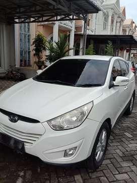 Dijual Cepat! Hyundai Tucson 2011 Matic Putih Mewah! Rawatan Pribadi