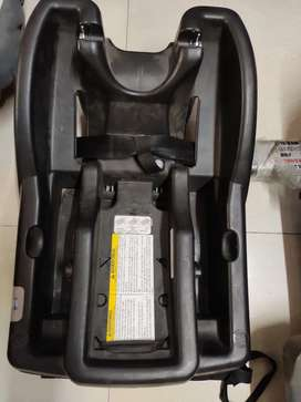 Kids car seat and seat base from Graco, USA