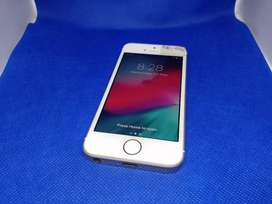 Apple iPhone SE 64GB with all accessories
