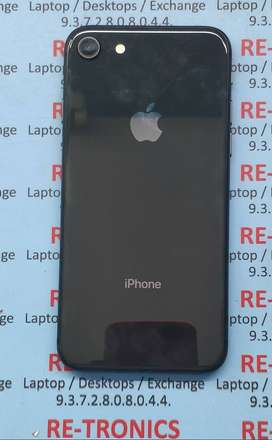 iPhone 8. 64 GB Stora With Charger A1 Condition