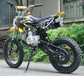 125cc PETROL ENGINE DIRT BIKE FOR ADULTS