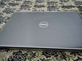 "DELL Laptop 18"" Core i5 (4gb 500 gb)"
