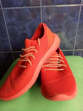 Preloved Sepatu pullandbear red