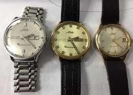 Di jual jam tangan merek Mido original dan asli warna gold,standliah